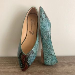 Seven7 Snake Print Nelly Flats Blue & Brown Size 6